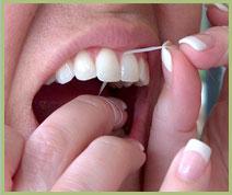 طریقه صحیح نخ دندان کشیدن